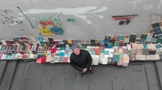 """ქართველი ბუკინისტი: ,,10 მილიარდი რომ მომცა, წიგნებთან მაინც ვიმუშავებ"""""""