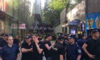 პოლიციამ აქციების რამდენიმე ათეული მონაწილე დააკავა