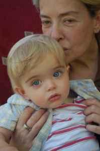 ლიკა ქავჟარაძის შვილიშვილი საოცრად ჰგავს ბებიას