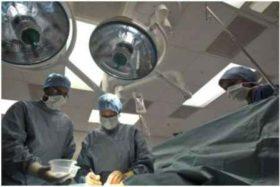 ბრიტანეთში ექიმებმა ჩვილს ოპერაცია დედის საშვილოსნოში გაუკეთეს