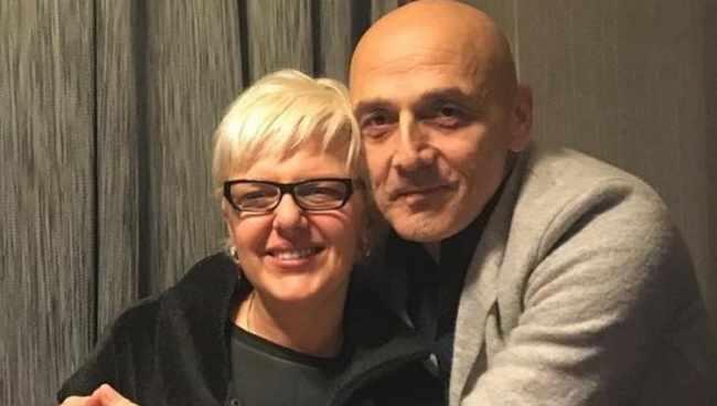 """ჯონდი ბაღათურიას ოჯახი განსაცდელშია: ,,სიმსივნე აღმოაჩნდა, თურქეთში მიმყავს, მოცდას აზრი არ აქვს"""""""