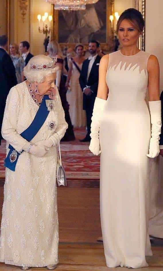 ცნობისმოყვარე დედოფალი - ელისაბედ მეორე და მელანია ტრამპი უინძორის სასახლეში