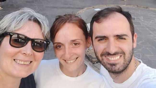 """,,მე დავამარცხე სიმსივნე, ახლა მაიას ჯერია"""" - რატის და ნიკას დედისთვის უცნობმა ქალებმა ქუჩაში ფული შეაგროვეს"""