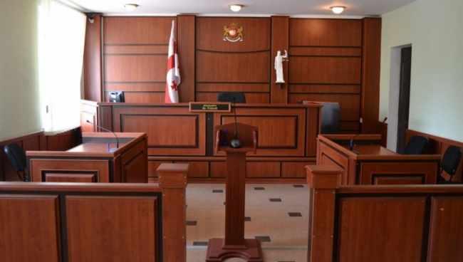 ადვოკატი ნოდარ ილურიძე სასამართლო დარბაზში გარდაიცვალა