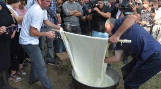 რეკორდი – იაგო დარსალიამ 34 კილოიანი სულგუნი დაამზადა