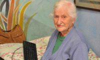 """89 წლის ლამარა აბჟანდაძემ კომპიუტერი 2 საათში აითვისა – """"ყველაფერი, რაც არ მავიწყდება"""""""