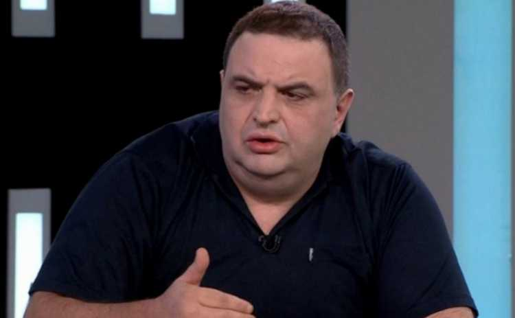 """გუბაზ სანიკიძე: ,,გადაკუზულები ხართ მინისტრები, ის კი ისე იქცევა, როგორც მამალი ეზოში"""" - ვიდეო"""