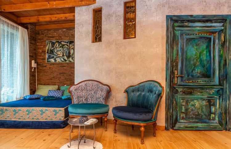 ნათია ლაზაშვილის  მდიდრული სახლი ძველ თბილისში - ფოტოები